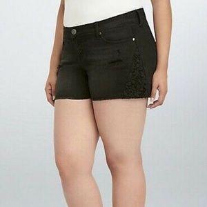 Torrid Short Shorts Black Crochet Inset Sz 16